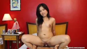 Pretty young fair-skinned Filipina angel has raw sex with friend