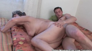 Lustful granny gets her hairy