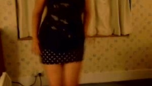 Romanian Girl plays on cam