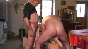 voyeur papy waiting for a young chick