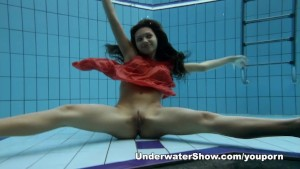 Anna - nude swimming underwate