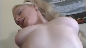 Pounding this girl s pussy - Telsev