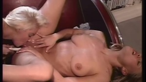 Blonde Babes Fuck Eachother Like Crazy - Telsev