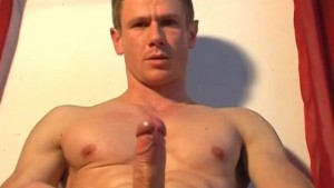 A str8 gym trainer made a porn video for us!