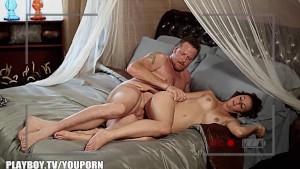 Amateur couple makes porn with Playboy