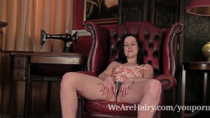 Hairy Emily Marshall does her