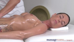 Massage Rooms Sexy babe squirt