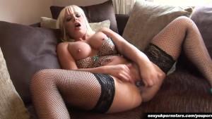British pornstar Loz Lorrimar fingers her pussy in fishnets