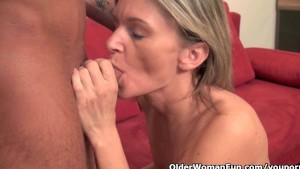 A Mommy wants you to cum in her mouth