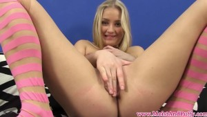 Juicy cherry blonde teens solo action
