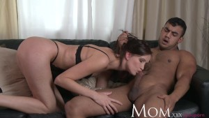 MOM Evelyn Lopez Wants To Feel Hot Jizz All Over Her Body