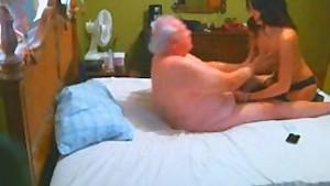 Escort Vip massage and blowjob to old man