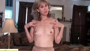 Olive Jones Rubs Older Hairy P