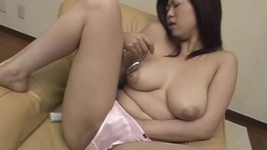 Mature Nana Masaki enjoys warm