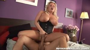 Blonde With Giant Tits Gets Pl