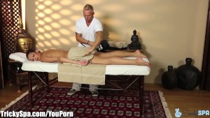 TrickySpa Ebony Babe Fucked by Sly Masseur