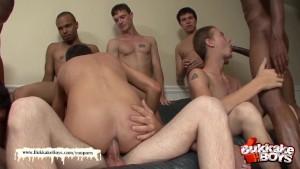 Twink s bukkake turns into an orgy
