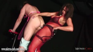 Hot Mistress dresses up and anal fucks dirty sissy with electro strapon