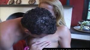 Fernanda Gets Banged By Her Guy