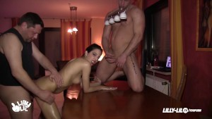 TEEN THREESOME SLUT ANAL GERMA