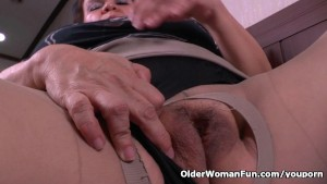 Grandma Gloria s old pussy needs getting off