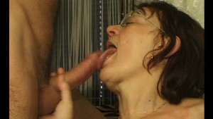 Mature granny getting dildo d - Julia Reaves