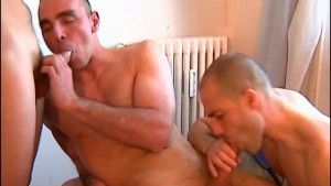 My 3 friends made a porn: watch huge cocks gets sucked by a guy!