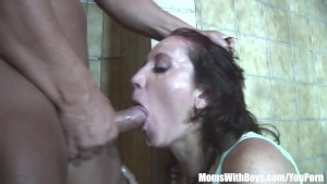Jacuzzi Anal Fucking With Old Lady Helen