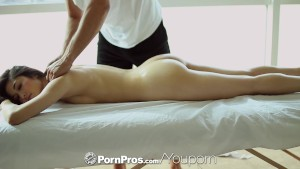 PornPros - Hot Asian beauty Elana Dobrev gets a sexy rub down