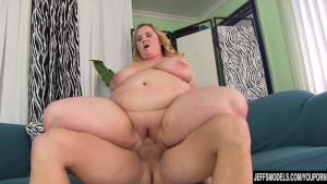 Chubby and sexy BBW Nikky Wilder gets fucked hard