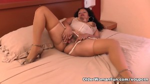 Latina milf Sharon gets busy with a massager