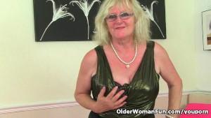 British granny Claire Knight i