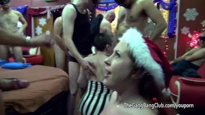 Amateur in Santa hat takes cum over her