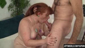 smotret-video-porno-transvestitov-starih-kak-ebut