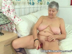 British granny Savana loves a good dildo fuck