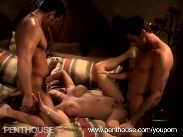hot 3somes clips