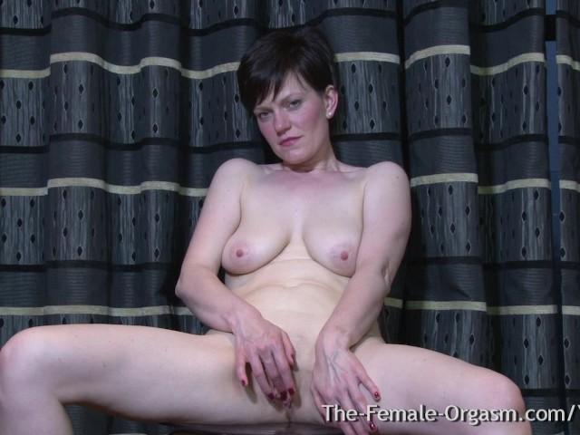 Mature hairy amateur mom nude
