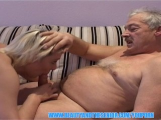 blonde-hot-girl-getting-fucked-by-senior-guy