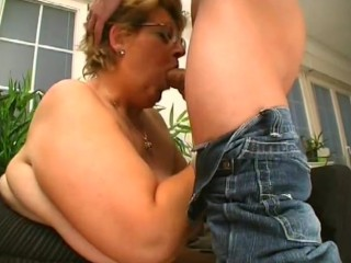Thick Old Babe Fucks A Young Stud - Porn Zone