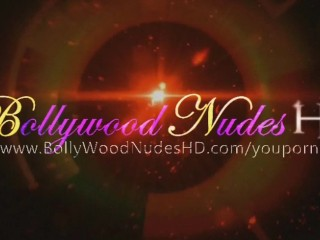 Bollywood babe making fun again...