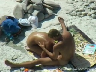 hot-couple-gets-caught-on-camera-having-sex-on-the-beach