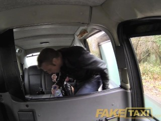 Faketaxi swingers in back...