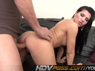 hdvpass-rebeca-linares-bump-and-grind-action