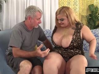 Chubby blonde Sasha Juggs hardcore fuck...