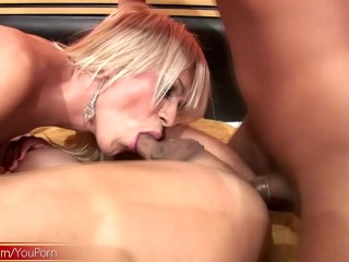 Gorgeous trannies expose their naked butts in foursome orgy