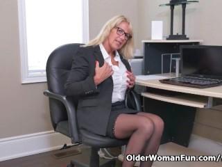 Bianca Masturbates At The Office...