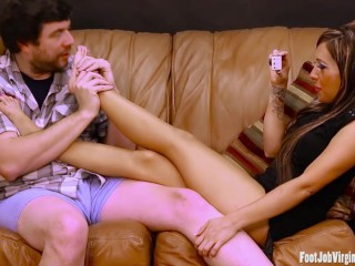Sexy girl gets feet worshipped...