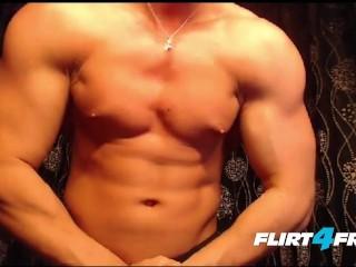 Toned muscular hunk big beautiful uncut cock...