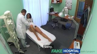 fakehospital,,voyeur,,cámaras,ocultas,,punto,de,vista,,real,,realidad,,aficionados,,hospital,,médico,,paciente,,de,espionaje,,de,aficionados,del,pelo,negro,,hd